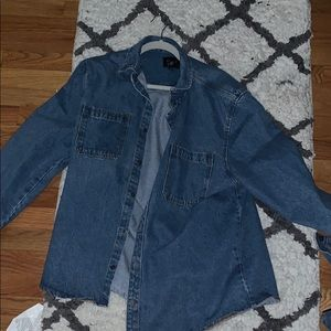 Men's jean jacket, looks good on woman also!